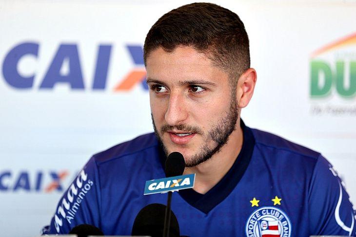 42bdff9966 Palmeiras oficializa contratação de Zé Rafael