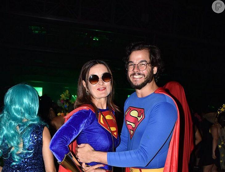 6094831f4 Fátima Bernardes e Túlio Gadêlha posam para fotos divertidas como ...