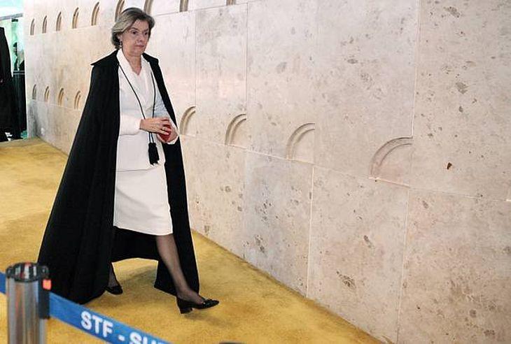 Cármen Lúcia diz que Judiciário