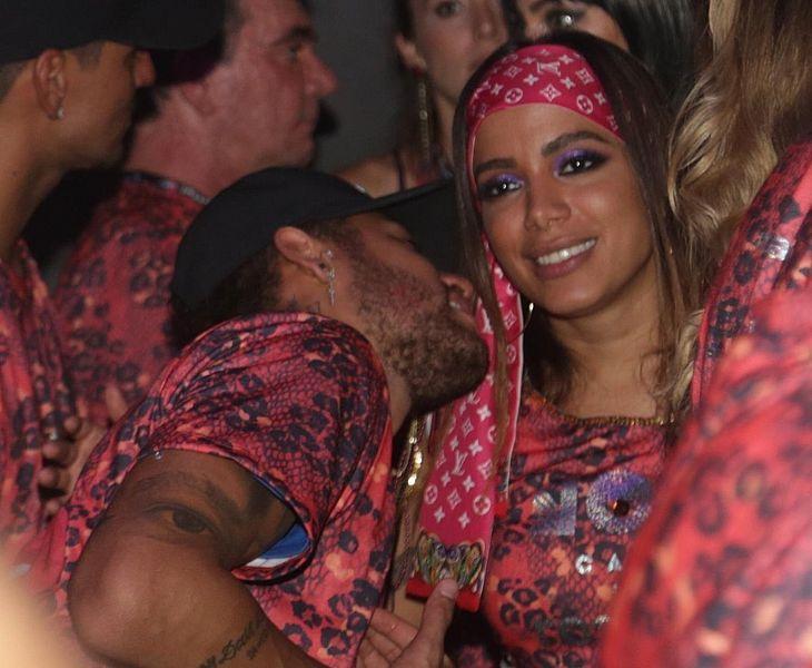 Resultado de imagem para neymar anitta bruna