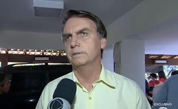 Resultado de imagem para Bolsonaro recua em unir Ministério da Agricultura com Meio Ambiente
