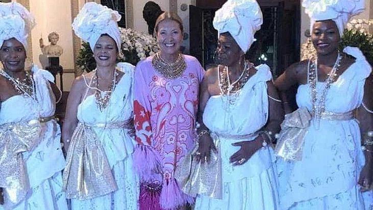 1f2b7bda1c Diretora da Vogue Brasil é acusada de promover festa racista - TNH1