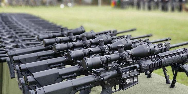 Resultado de imagem para BRASIL: GOVERNO PUBLICA NOVO DECRETO SOBRE ARMAS; CIVIS NÃO PODEM ADQUIRIR FUZIS