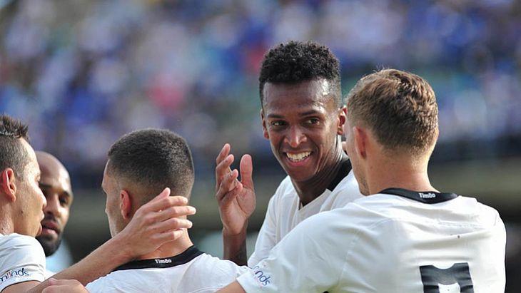 Com gol de pênalti de Jô, Corinthians bate São Bento na estreia no ... f5ede554c0