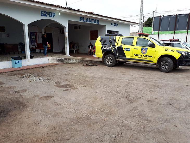 Homem é detido após agredir e ameaçar companheira, em Arapiraca